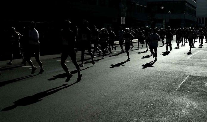 Maratona al buio ( foto libera )